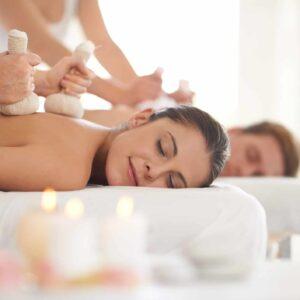 Massage corporel aux pochons chauds – 1h15