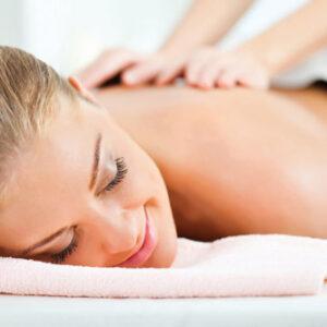 Massage corporel sur huile